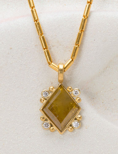 Queen of Diamonds Pendant