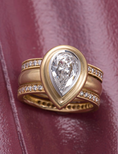 Kashmir Diamond Pear Ring